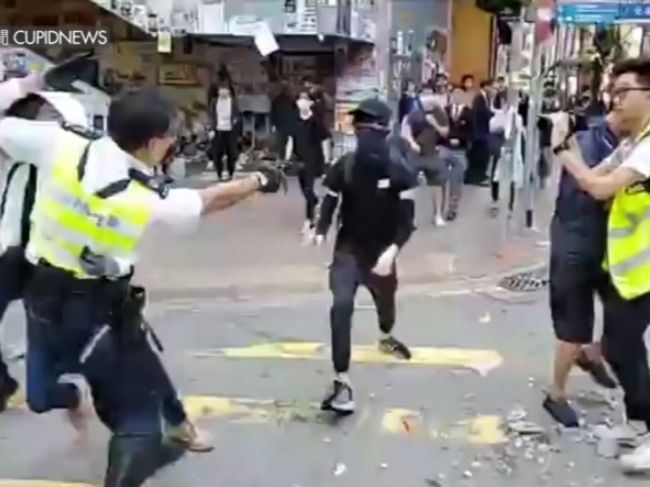 The ex-lawmaker wanted the policeman who shot and seriously wounded a protester in Sai Wan Ho to face prosecution. File image courtesy of Cupid News