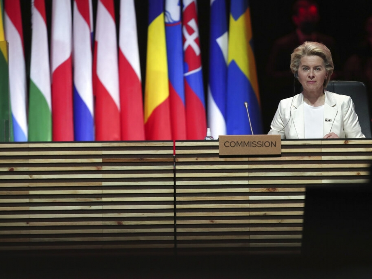 Ursula von der Leyen says more states should follow Europe in exporting some of their vaccines doses. Photo: AP