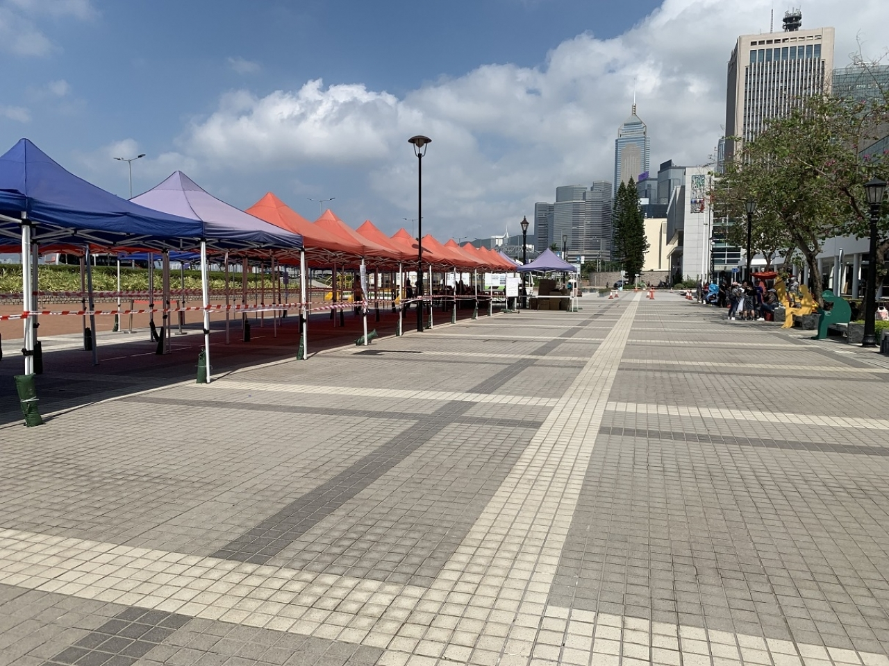 There were no queues at a Covid testing centre in Central on Sunday, as most domestic helpers had already got checked before the deadline. Photo: RTHK