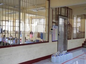 Surge in prison cases pushes up Thai Covid figures