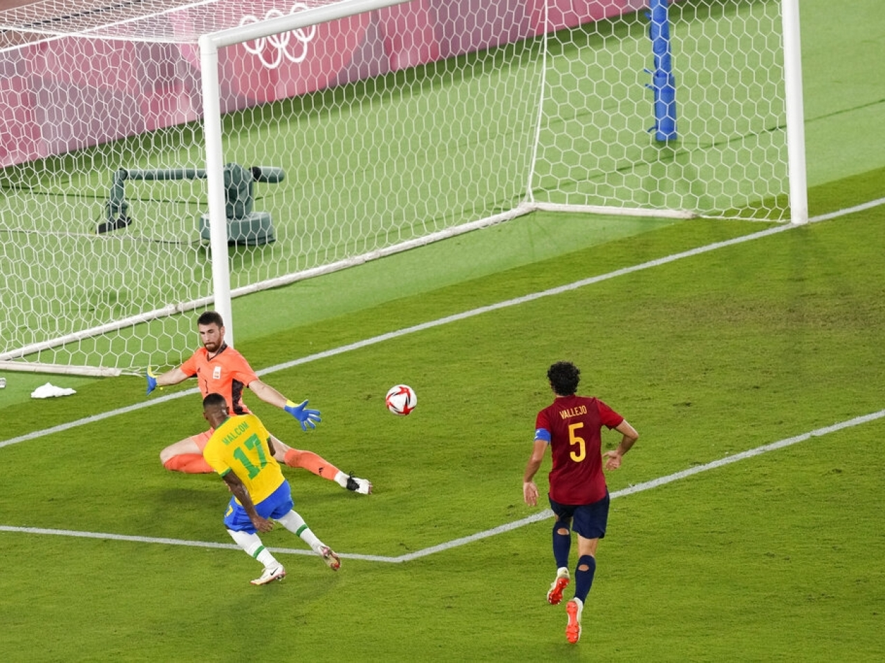 Former Barcelona striker Malcom gets the decider and Brazil keep their Olympic crown. Photo: AP