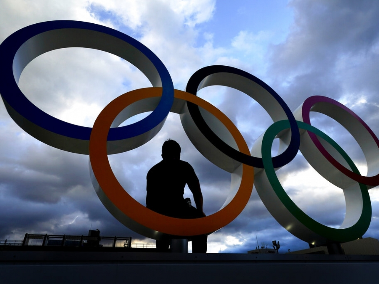 Olympic fever gripped Hong Kong as the city recorded its best ever performance in the Tokyo Games. Photo: AP