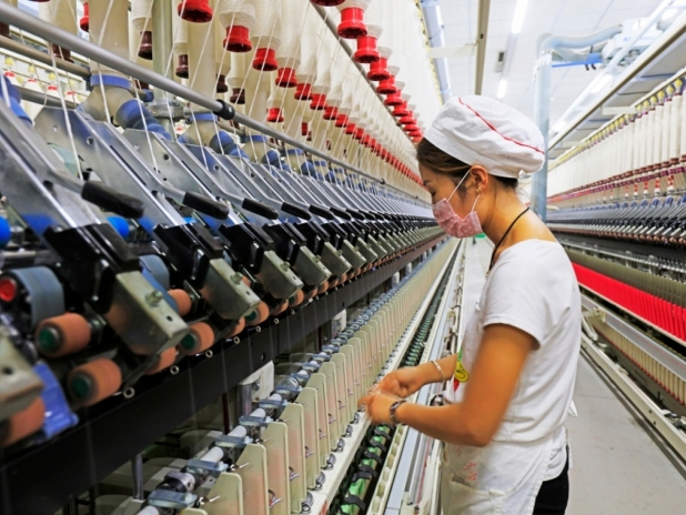 China's job market remains generally stable