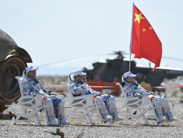 China astronauts return to earth after 90-day mission
