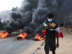 Crowds rally after apparent military coup in Sudan